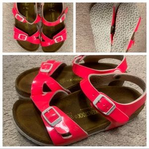 Size 12 / 30 Neon Pink Girls Leather Birkenstock